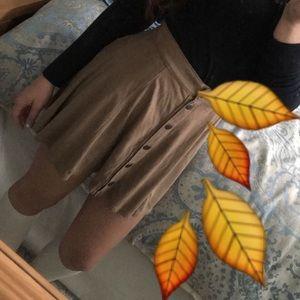 Dresses & Skirts - NEVER WORN SMALL BUTTON UP SKIRT